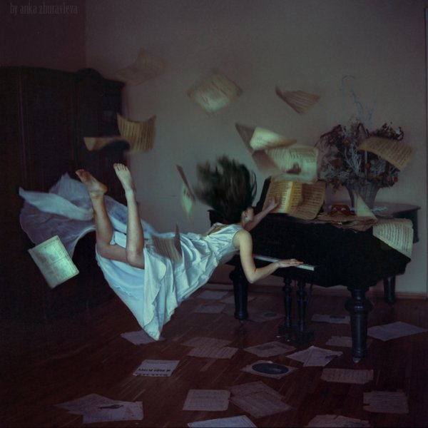 "Иллюстрация. Название: ""when gravity does not work"". Автор: anka zhuravleva. Источник: http://www.photosight.ru/photos/4110592/"